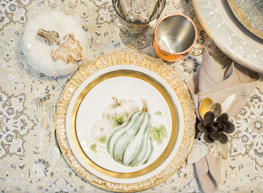 Relaxed Living by Sams | Home Staging | Place Setting