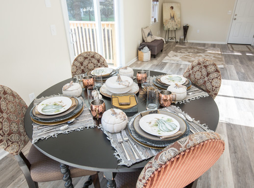 Relaxed Living by Sams | Home Staging | Kitchen Table