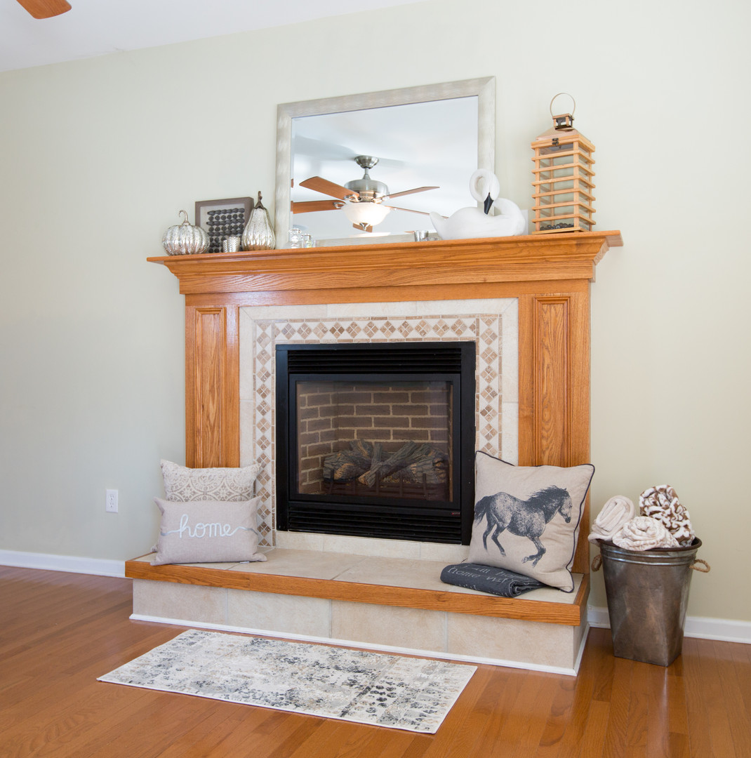 Relaxed Living by Sams | Home Staging | Living Room Fireplace