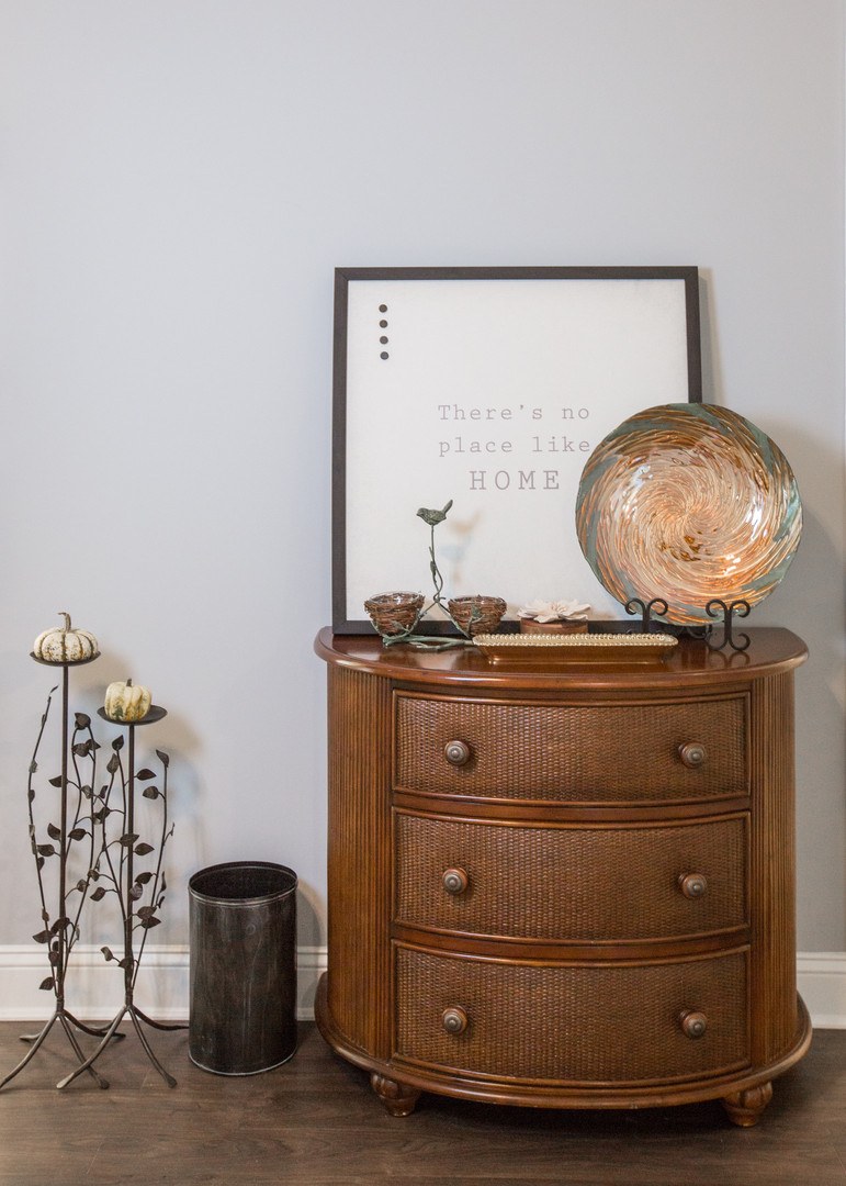 Relaxed Living by Sams | Home Staging | Living Room Accessories