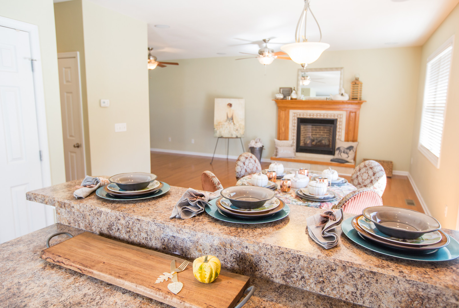 Relaxed Living by Sams | Home Staging | Bar