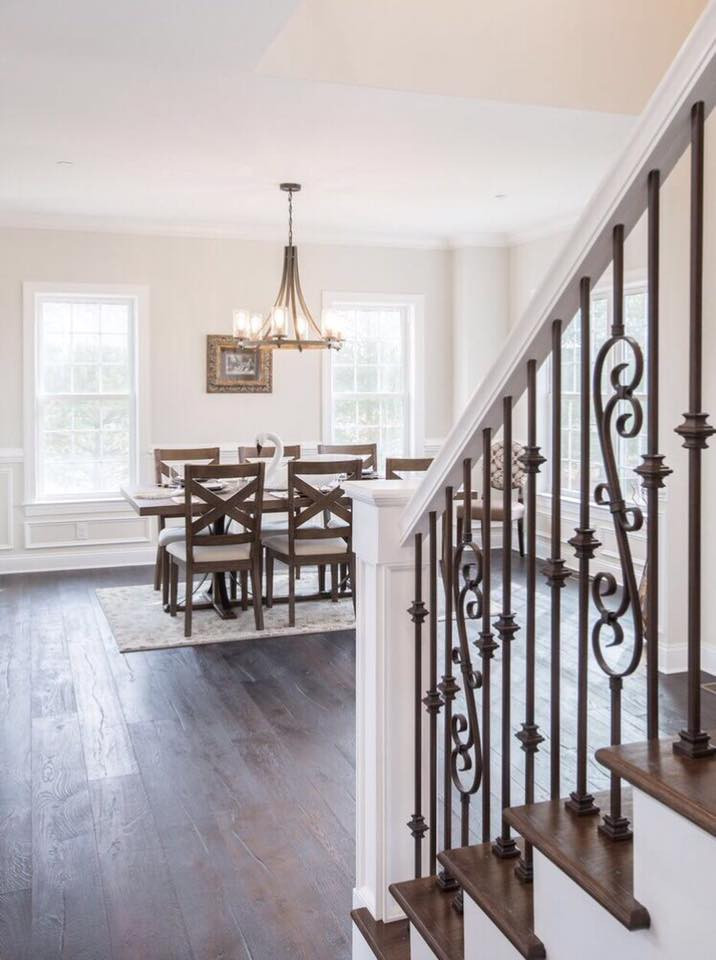 Relaxed Living by Sams | Home Staging | Staircase