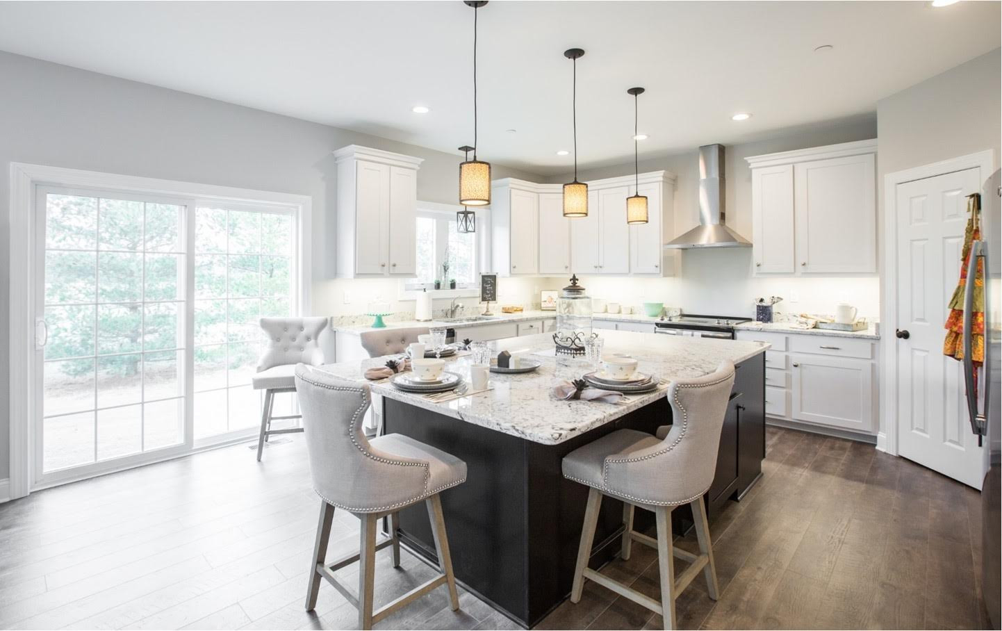 Relaxed Living by Sams | Home Staging | Kitchen Island