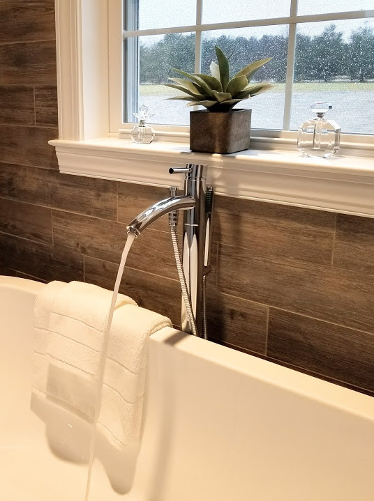 Relaxed Living by Sams | Home Staging | Bathtub