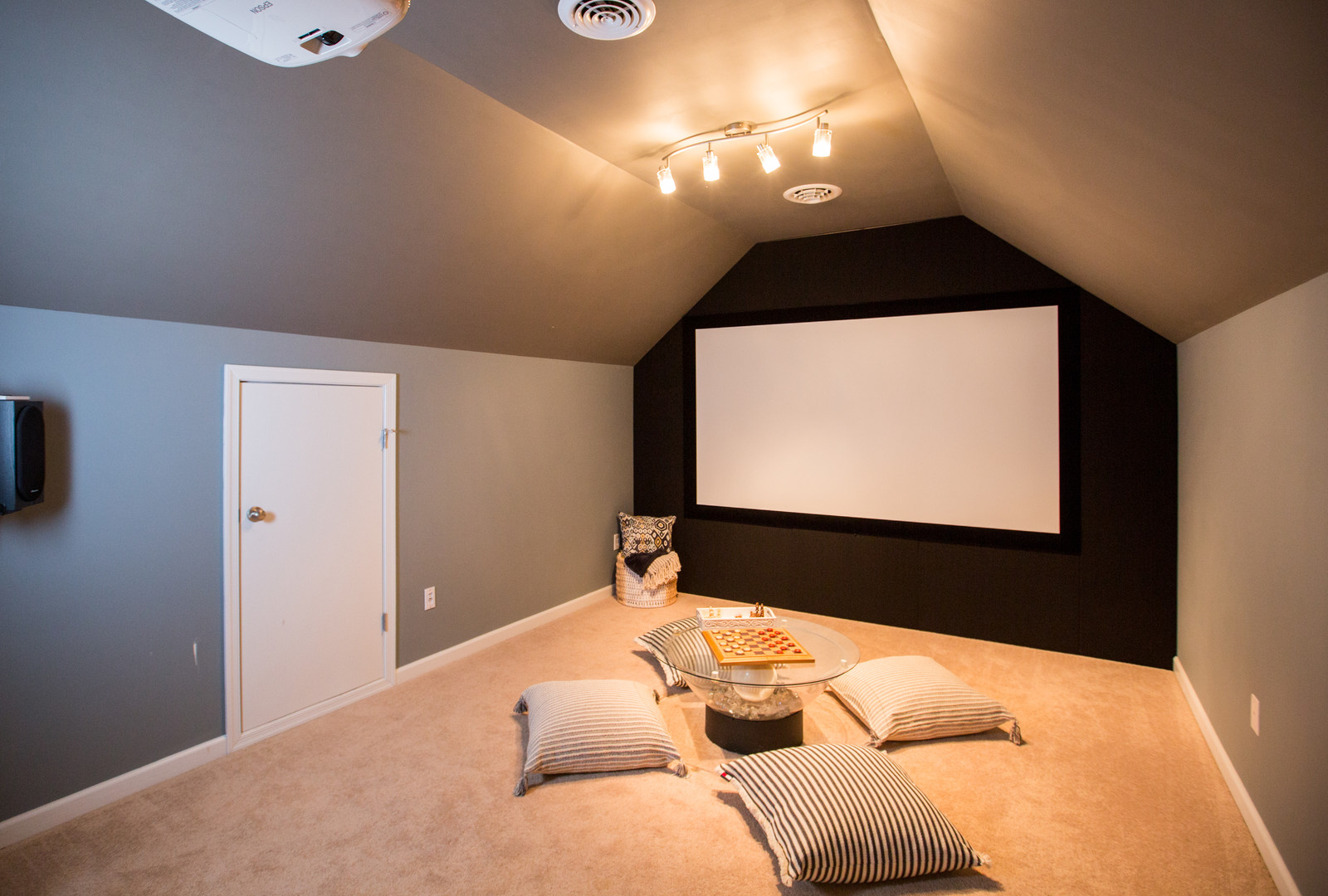 Relaxed Living by Sams | Home Staging | Open Bonus Movie Room