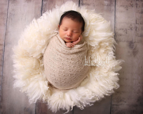 newborn flokati & wraps (31).JPG