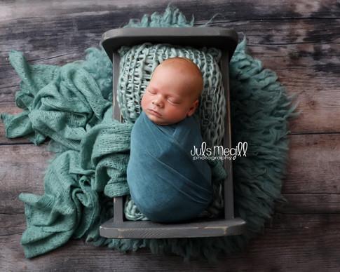 newborn flokati & wraps (56).JPG