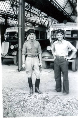 Au quartier Mortier en 1939    de voitures et motos réquisitionnées