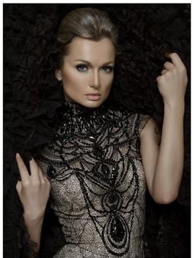 Julia white/ Ohh fashion agency
