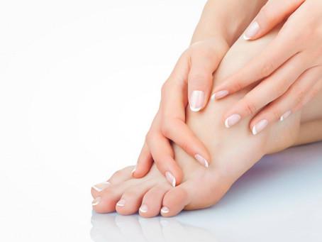 冷え性からくる血行不良で爪がもろくなる可能性があります。血流が良くなると爪の調子やネイルの発色も良くなります。