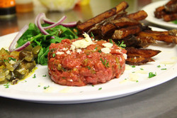 Tartare de bœuf frites maisons