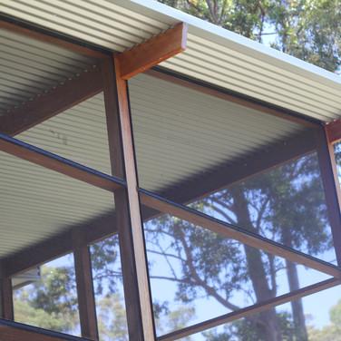Screened room enclosure