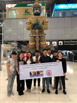 Thailand delegation in airport