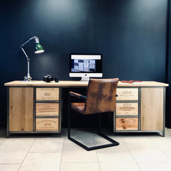 Custom Acier desk