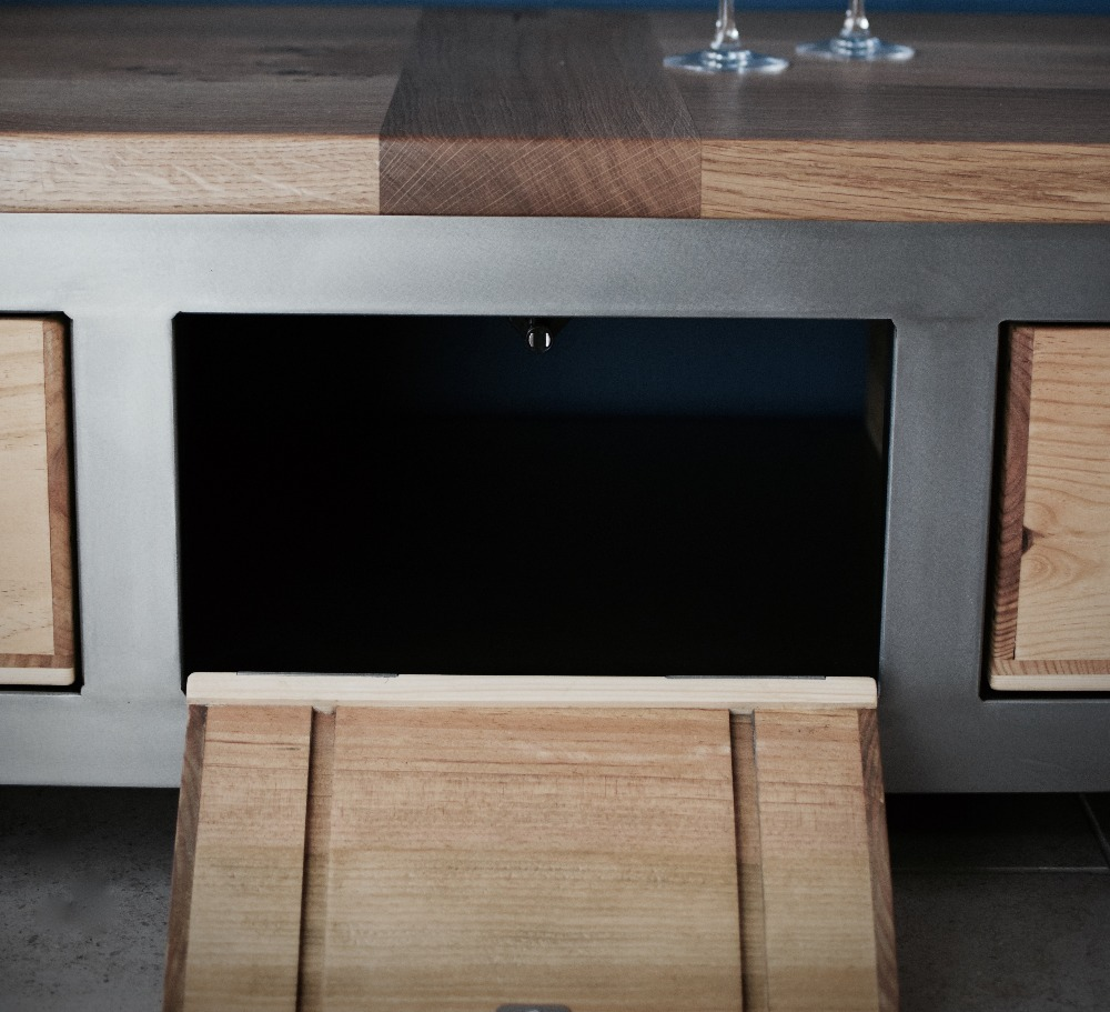 Acier TV cabinet with extra shelf