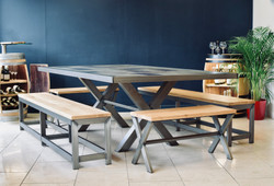 Acier dining table