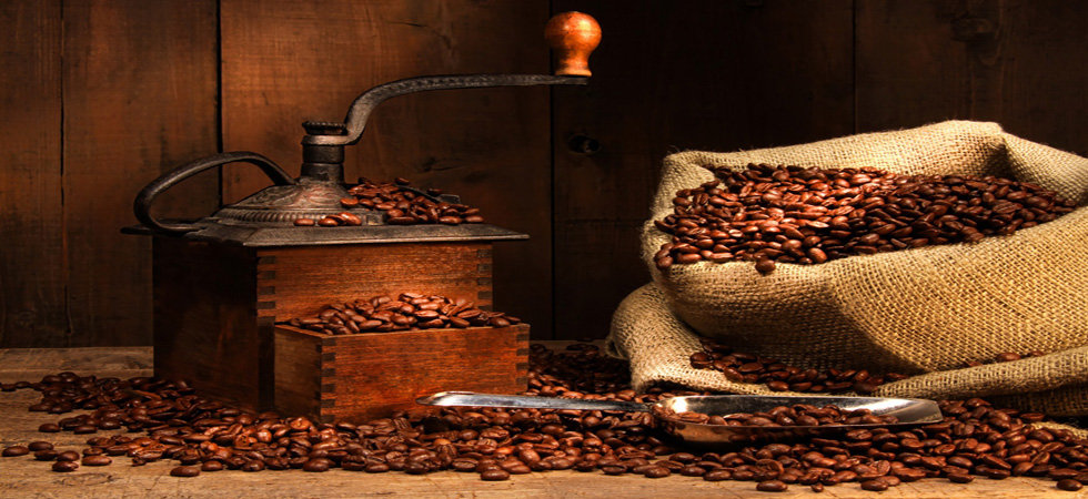 Coffe grinder and coffee beans