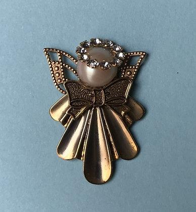 #102 Large Angel Pin Gold