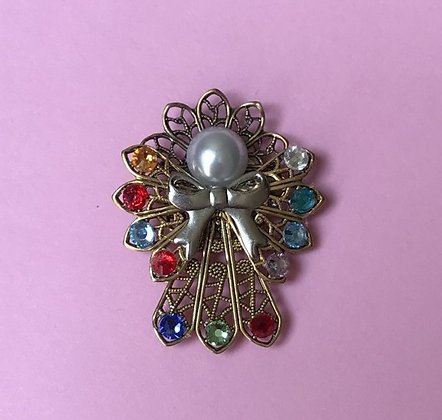 Birthstone Angel #256P  (3 stones on skirt)