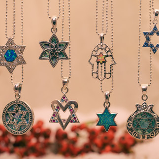necklaces_multiple_festive-3.jpg