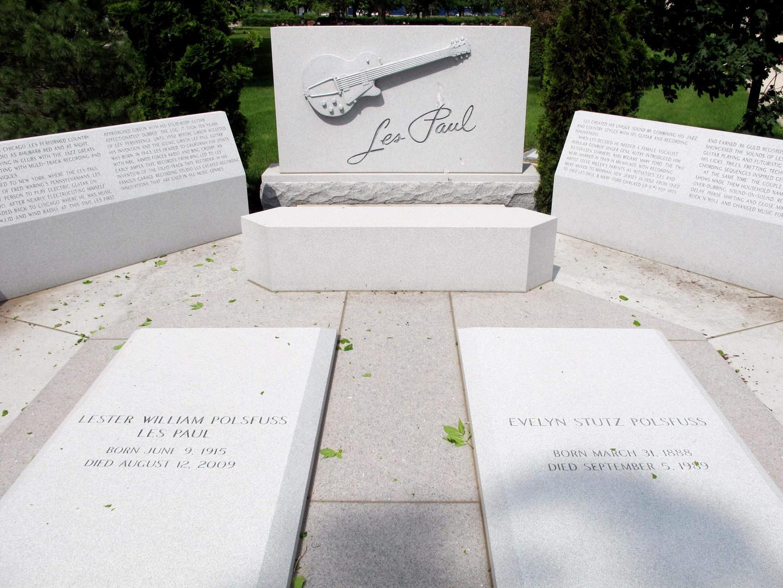 Les Paul Cemetery Memorial.jpg