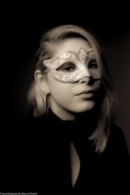 Masquerade-Mien1