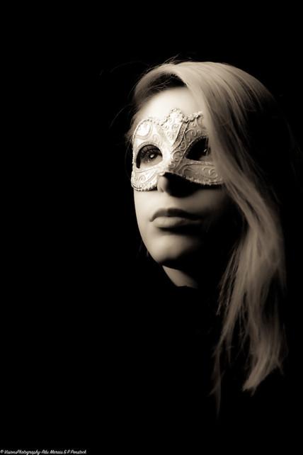 Masquerade-Mien2
