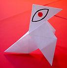"""el logo """"que te veo"""" es una metáfora visual que habla del punto de vista, de la geometria, de la composición, del color, del papel"""