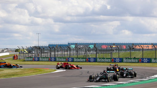 F1: Hamilton wins British GP despite last-lap puncture