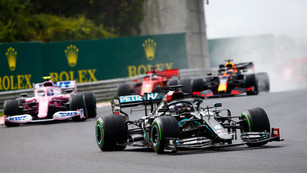 F1: Hamilton blitzes opposition to win in Hungary