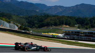 F1: Hamilton pips Bottas to Mugello Pole