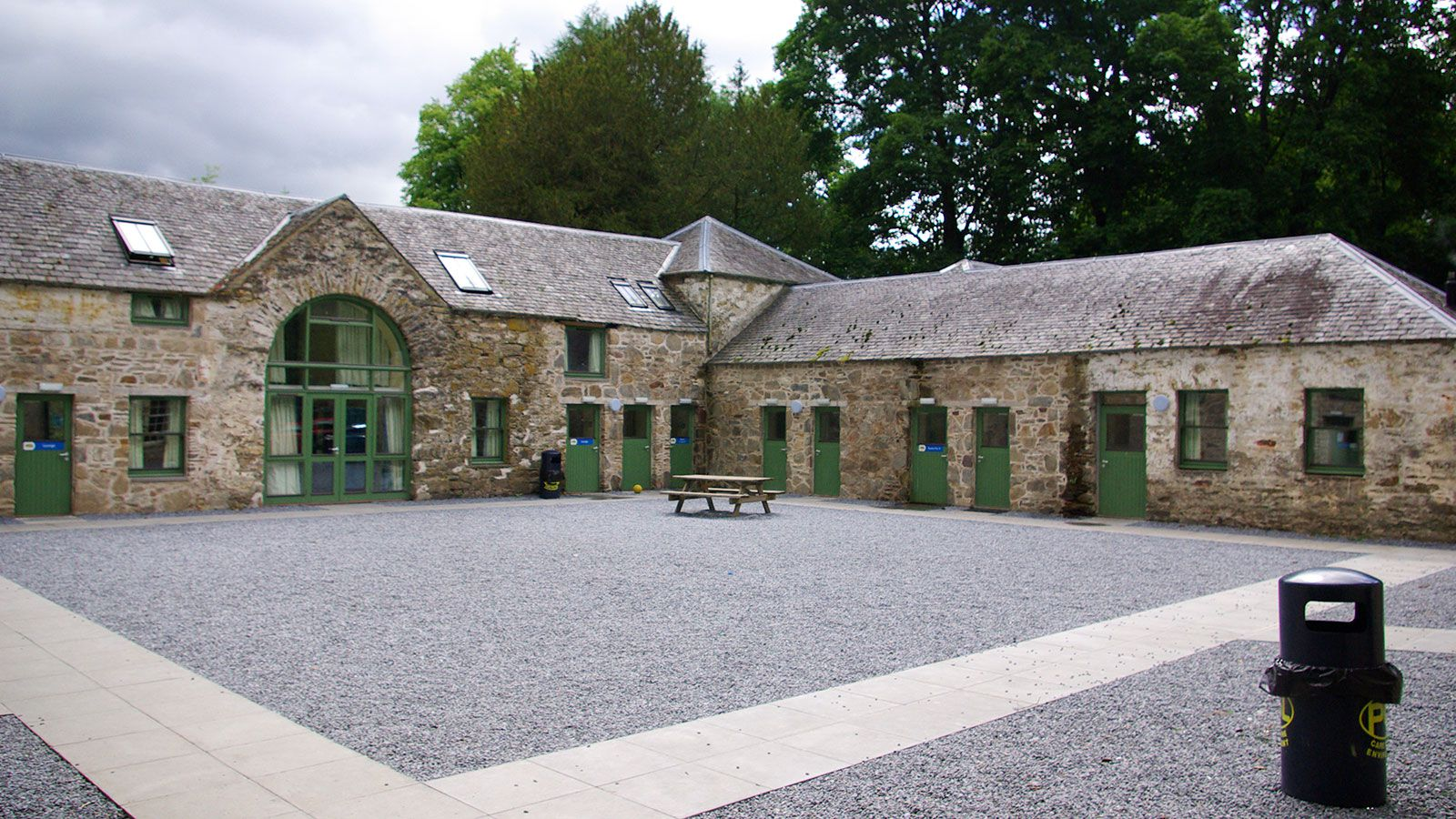 PS-G-Centre-Dalguise-accommodation-stables-outside-for-Primary-Schools