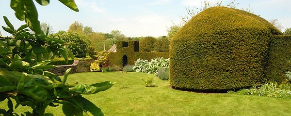 Soft Landscaping example in The Cotswolds
