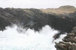 dramatic coastline south of Saligo