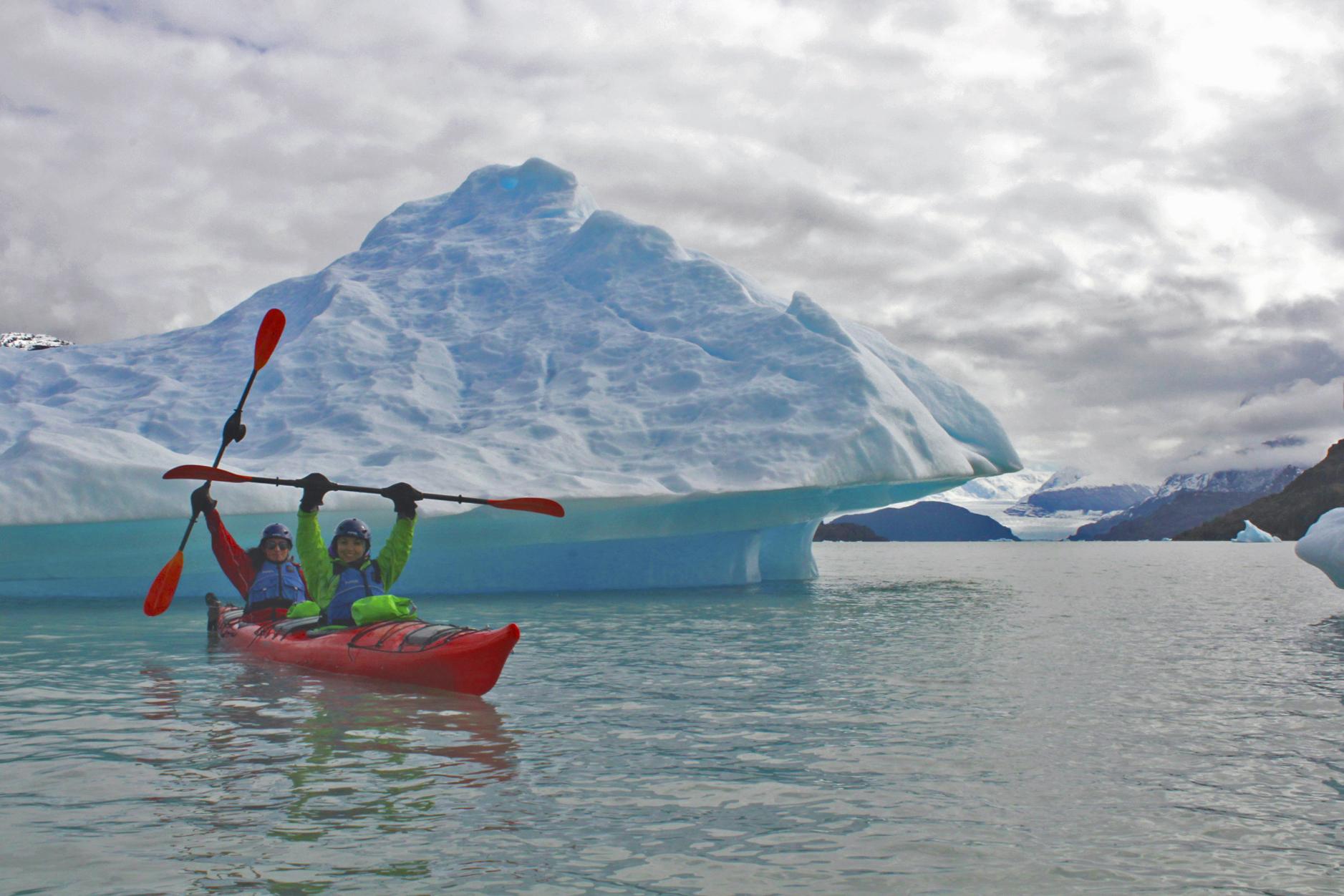 Kayak en Lago Grey
