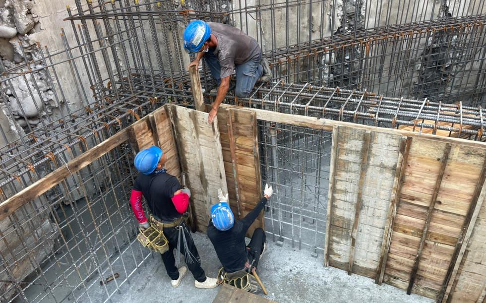 地樑施工組模