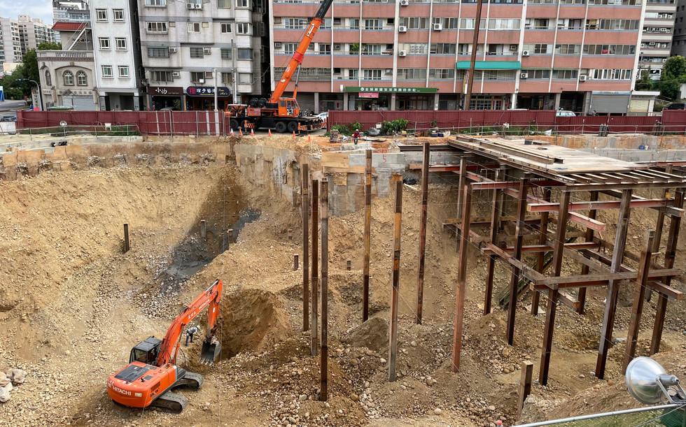 安全支撐中間柱埋設