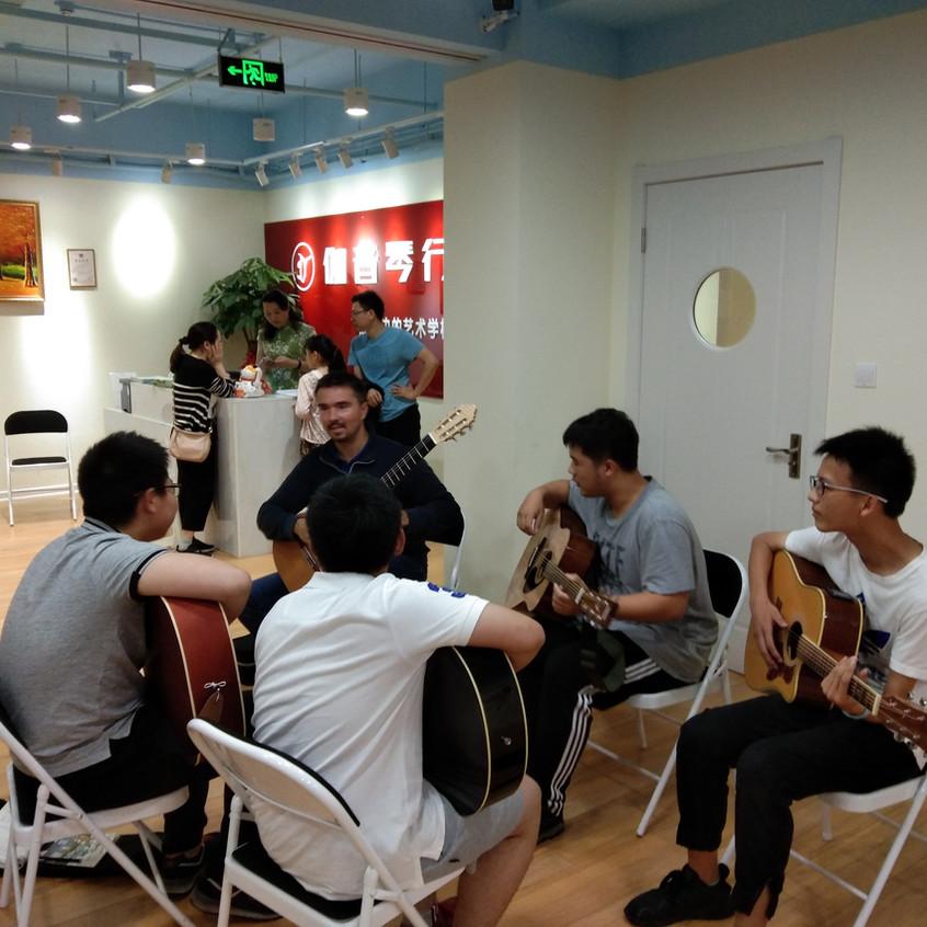 adnan-ahmedic-classical-guitar-china-tour[1]