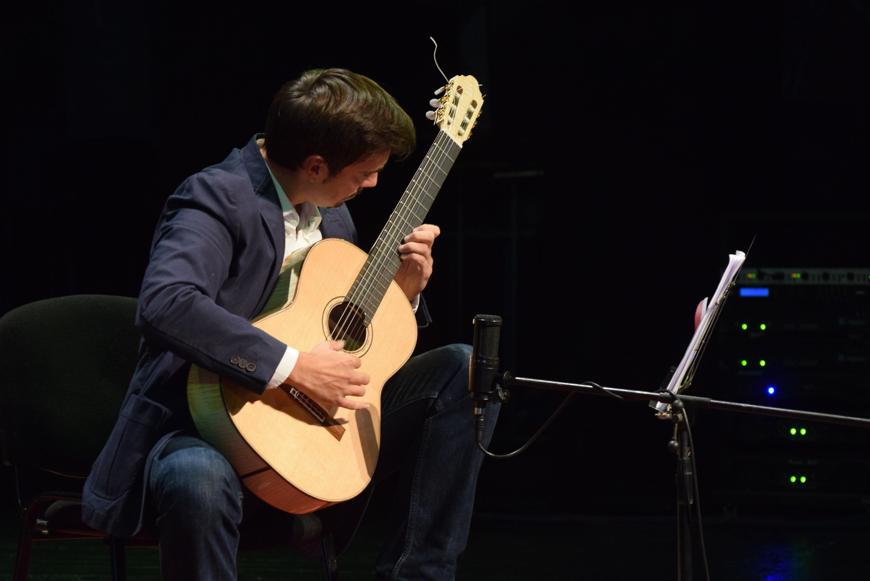 GuitarMaestroAdnanAhmedic