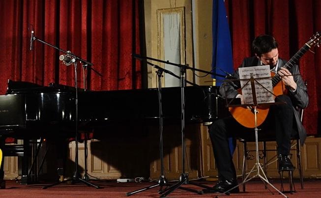 adnanahmedicsarajevowinterfestivalguitarrecital2015