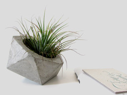 vaso de cimento pequeno icosaedro