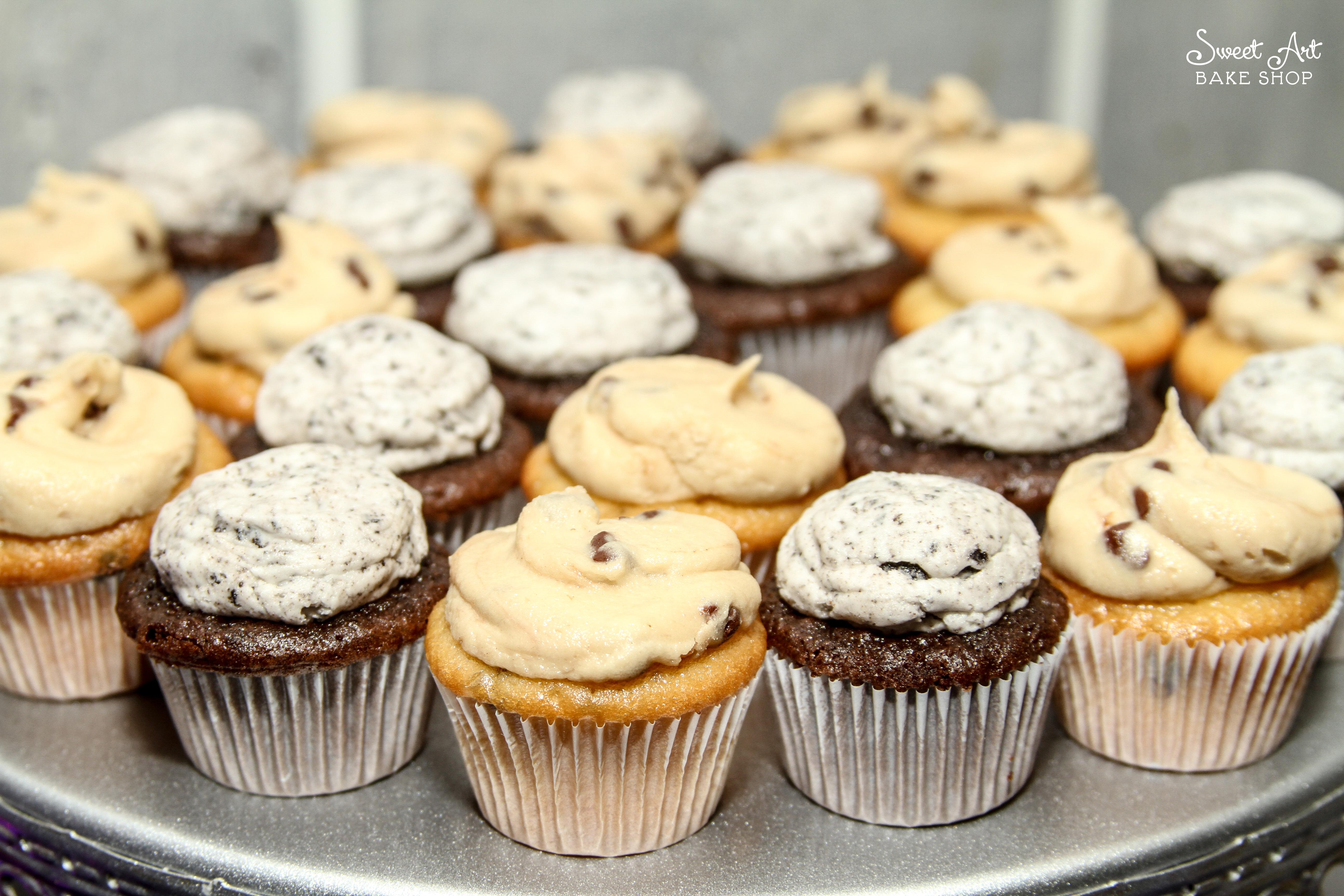 Mini Cupcakes: Oreo and Cookie Dough