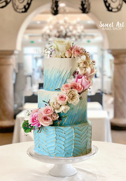 Blue & White Textured Buttercream Cake