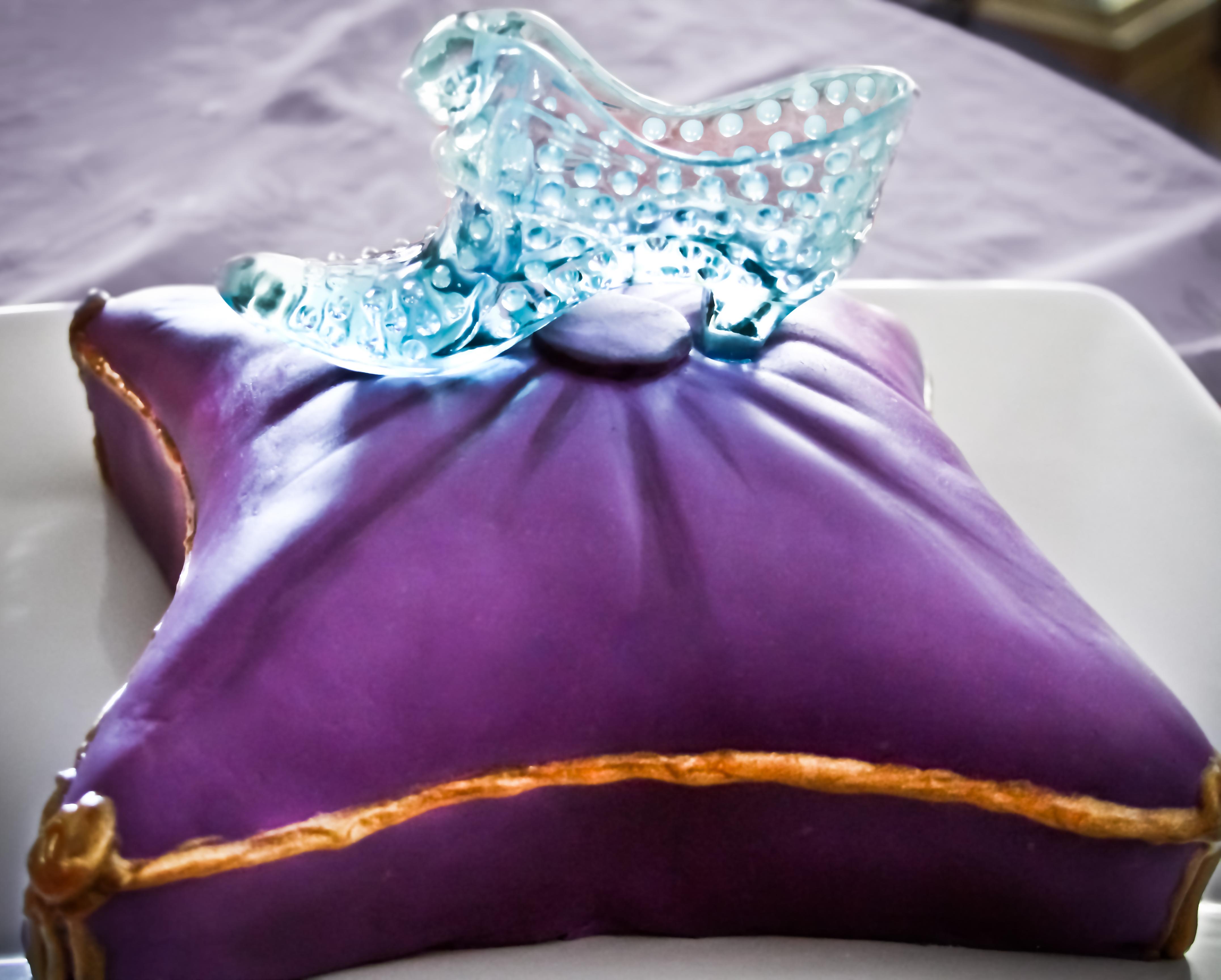 Glass Slipper Pillow Cake