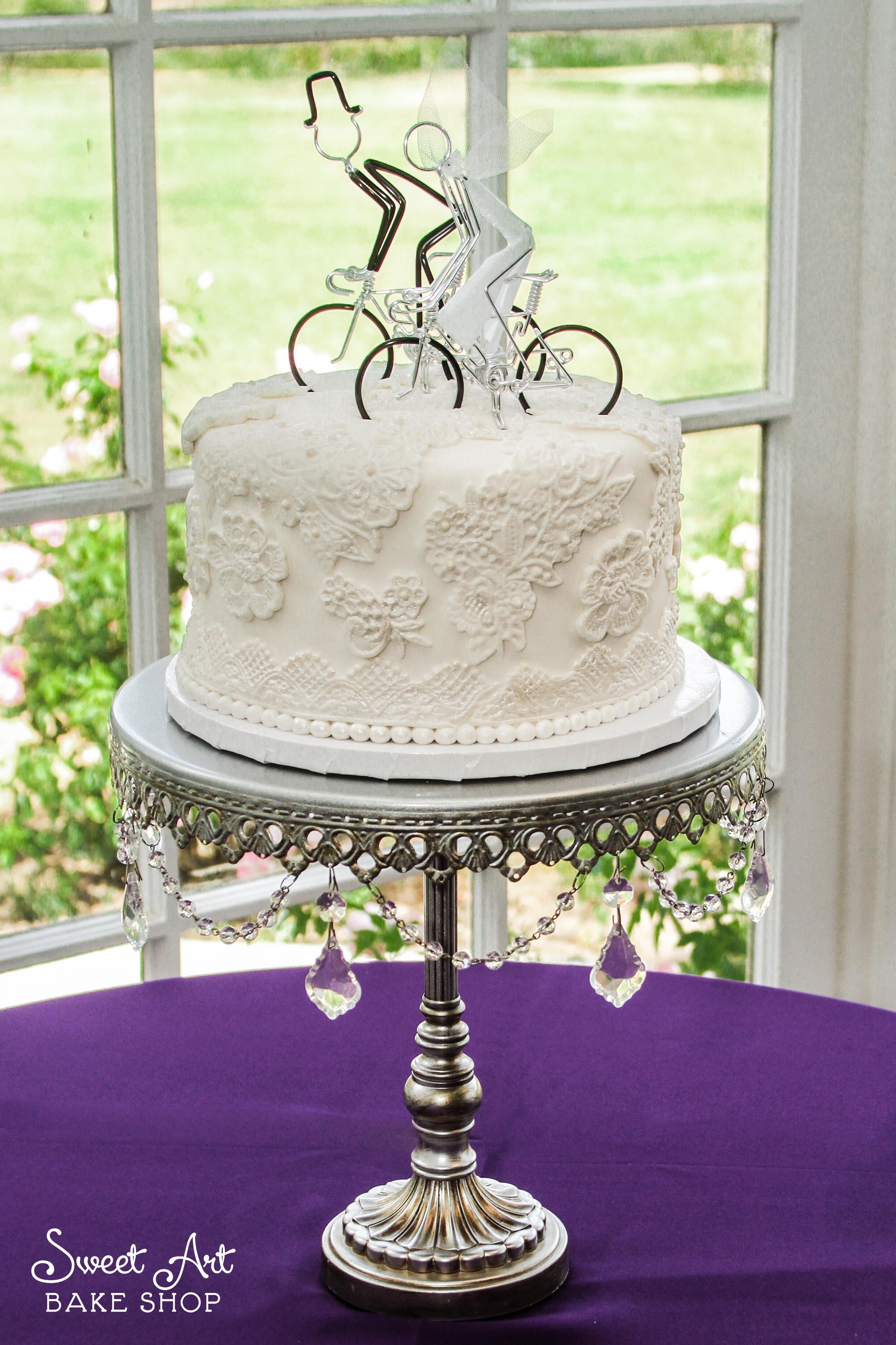 Lace Cutting Cake