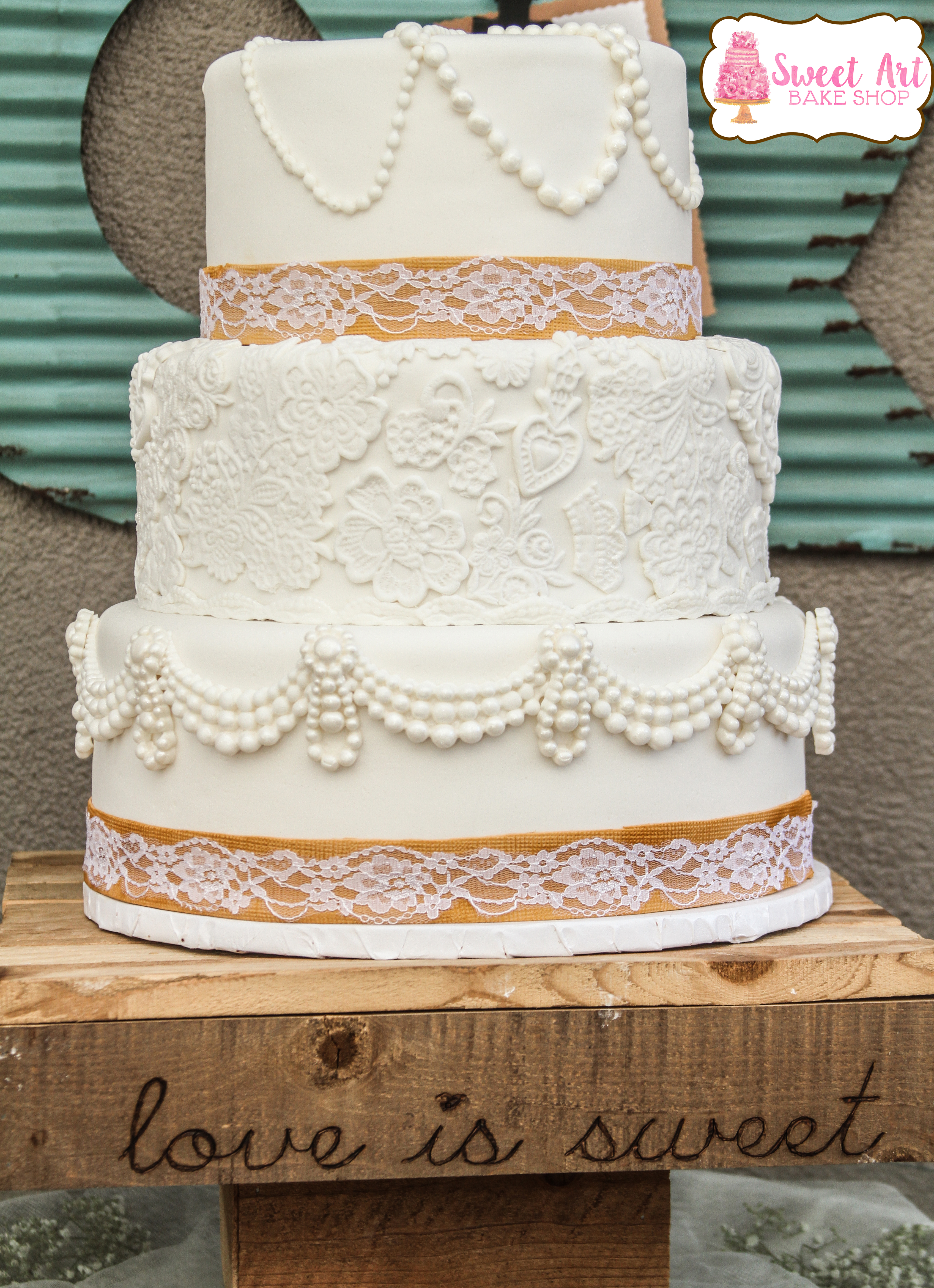 Burlap and Lace Wedding Cake