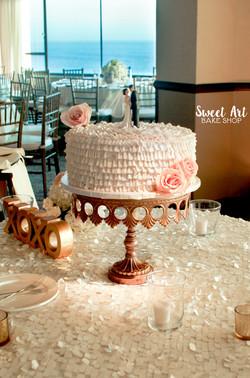 Ruffle Cutting Cake