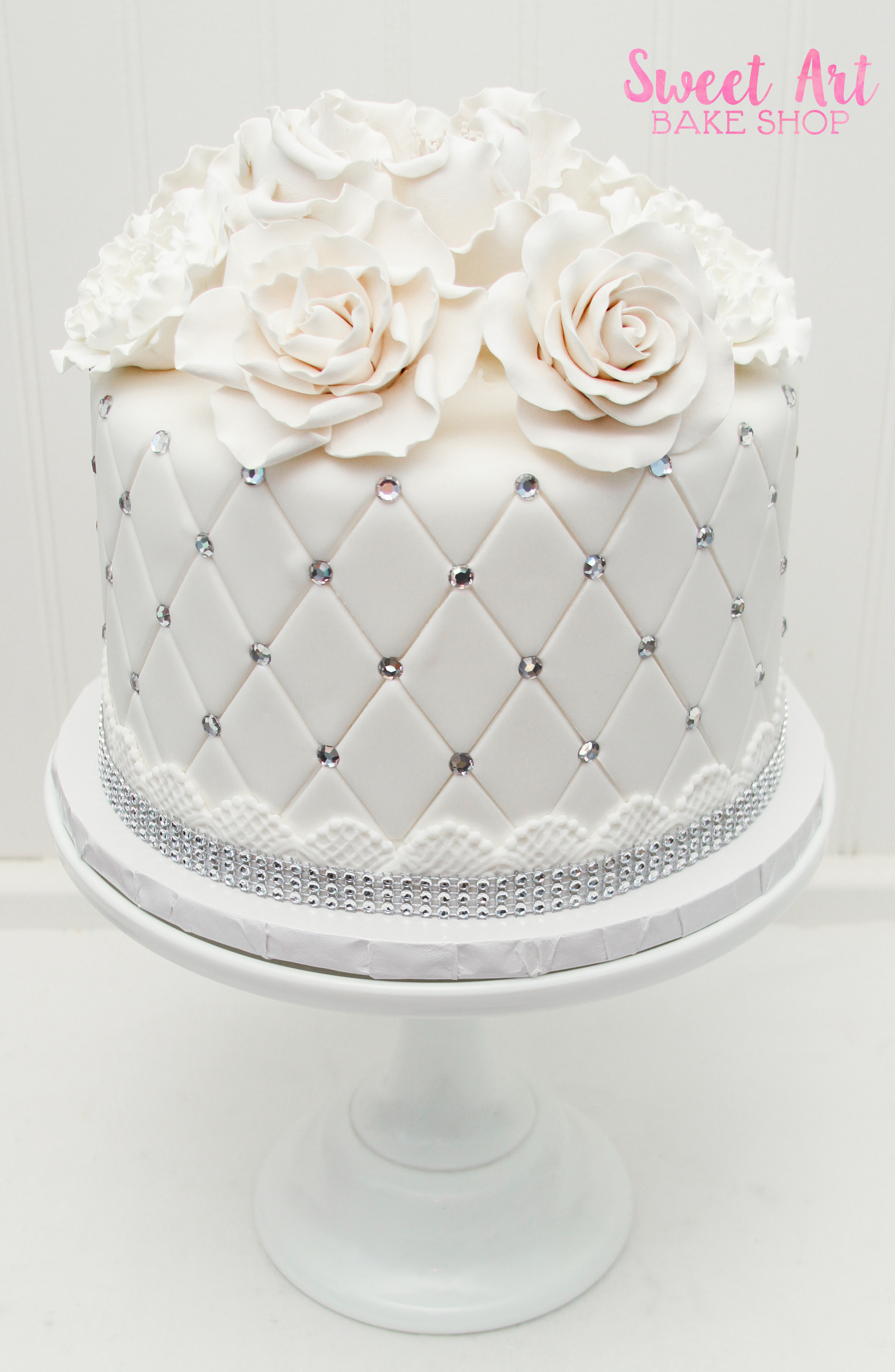 Sparkly Cutting Cake