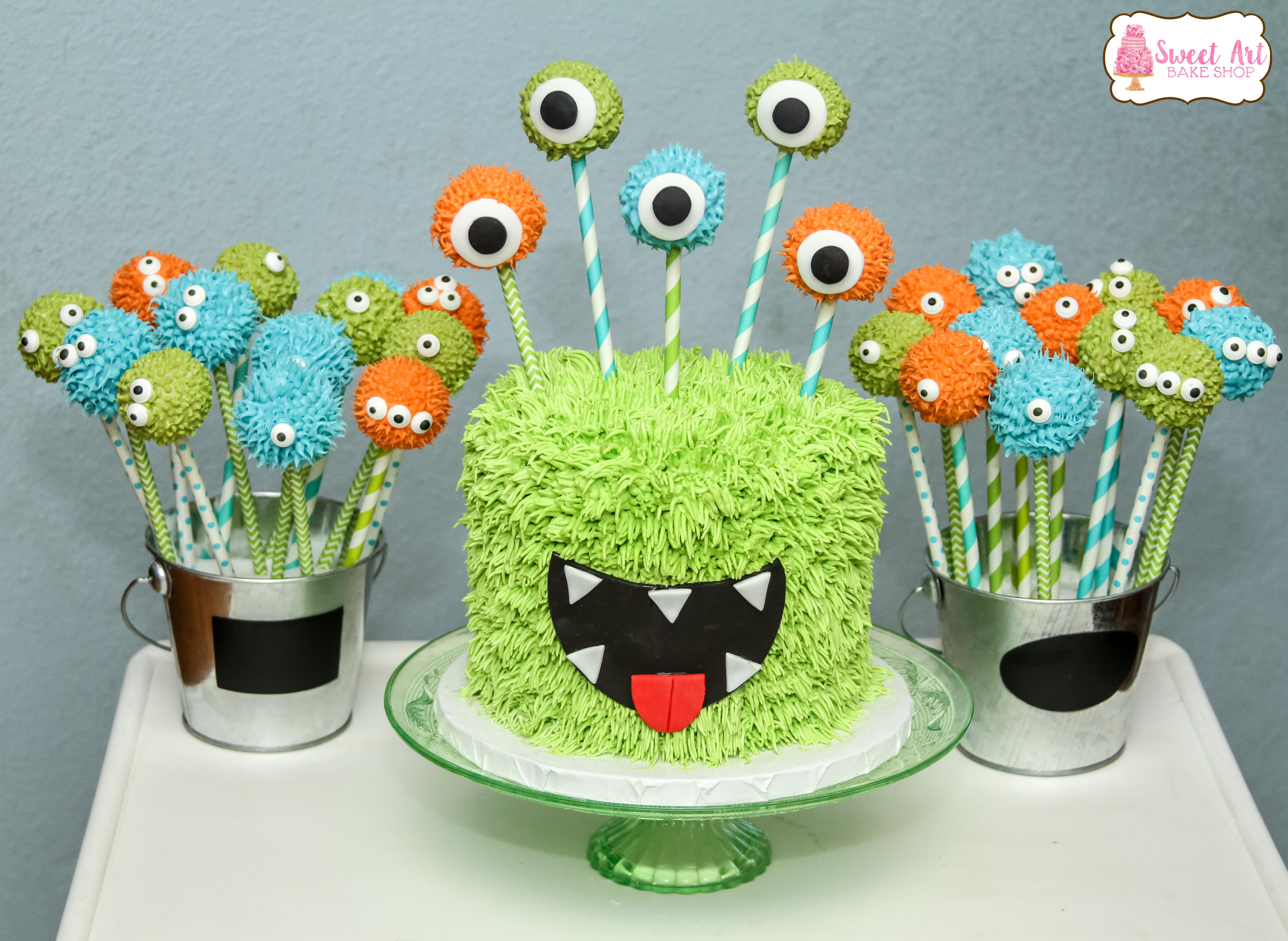 Monster cake and cake pops