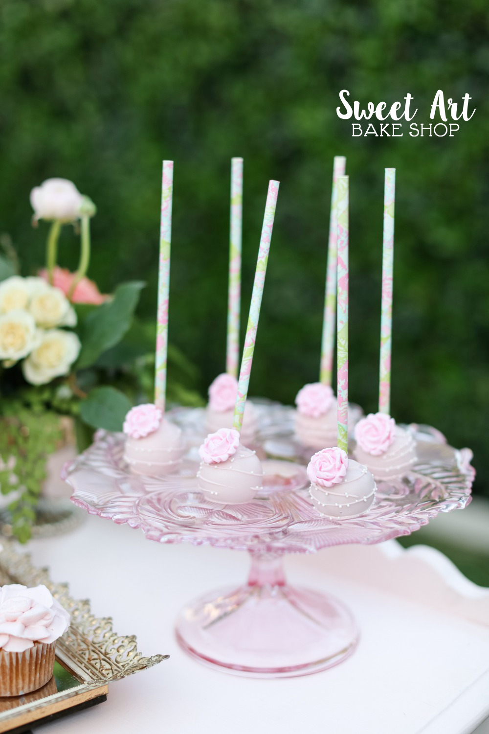 Cake pops with roses $3